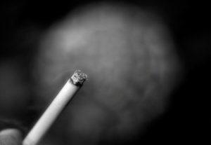 Сильный приворот кровью на сигарете