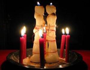 Сильный приворот на две венчальные свечи