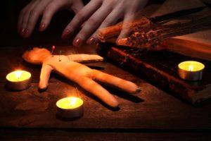 Бесплатно приворожить парня с помощью свечей