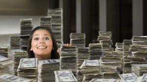 Как можно заработать много денег на улице
