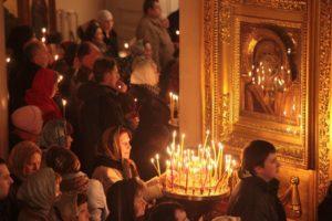 Православная молитва в храме